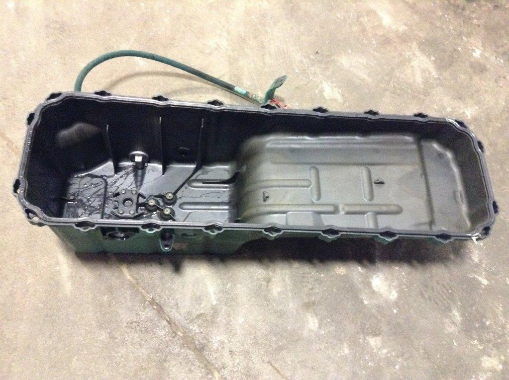 Used Engine Oil Pan for 2006 VOLVO VNL 0.00 for sale-57209091