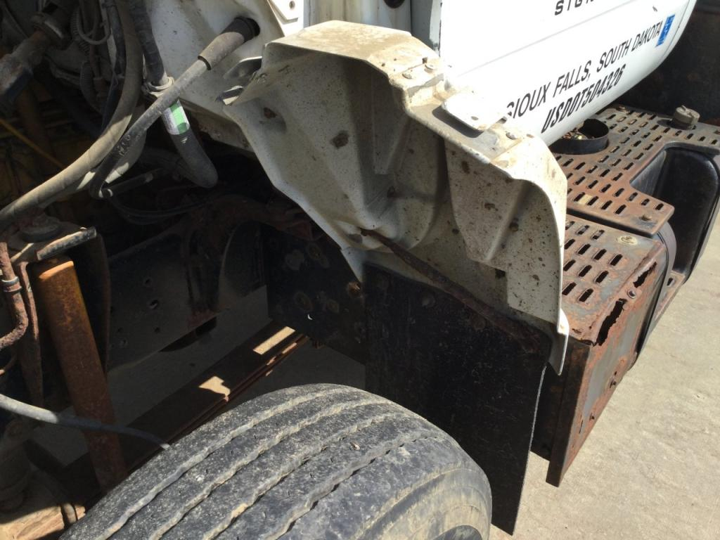 Used Fender for 1995 GMC TOPKICK 50.00 for sale-57248121