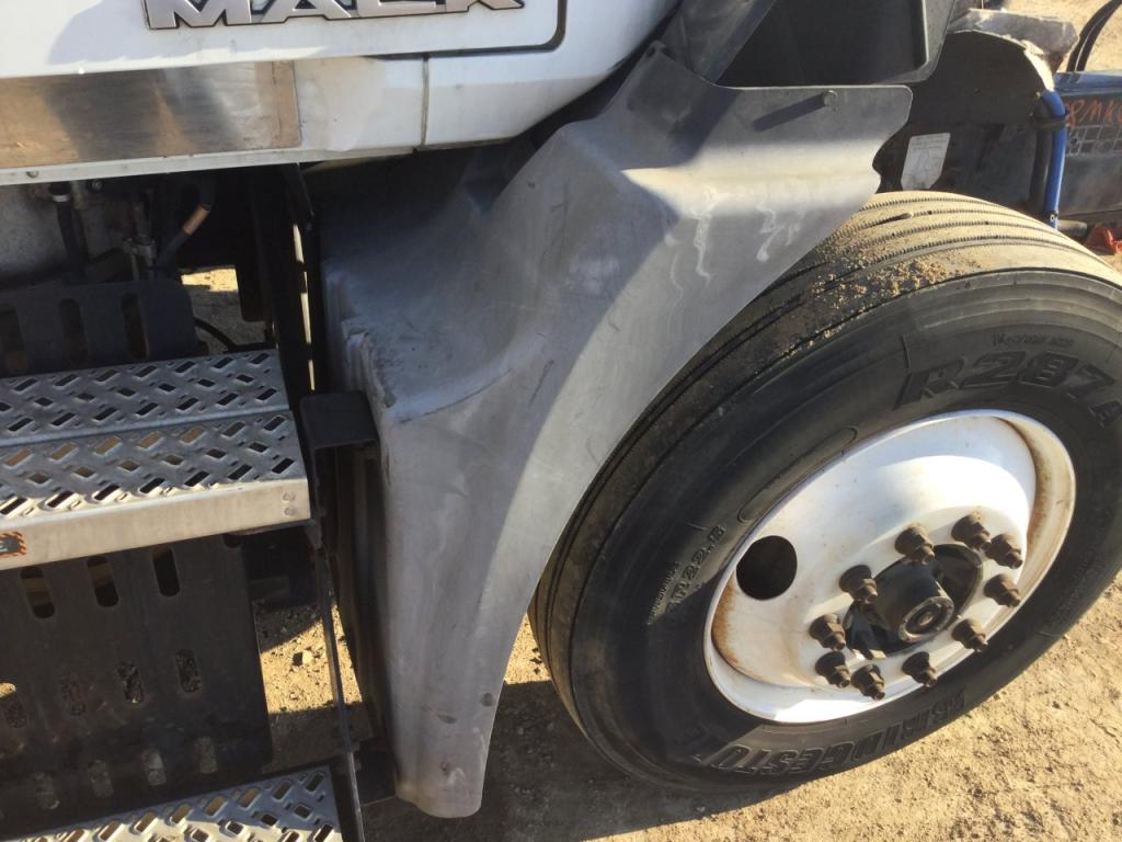 Used Fender for 2008 MACK CXU613 100.00 for sale-57248131