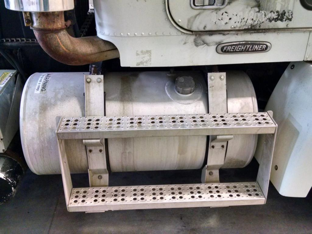 Used Fuel Tank for 1999 FREIGHTLINER FLD112SD 350.00 for sale-57280611