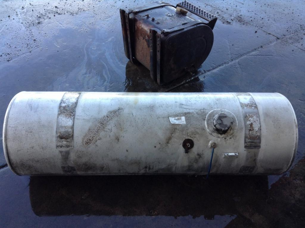 Used Fuel Tank for 2006 FREIGHTLINER COLUMBIA 120 450.00 for sale-57279611