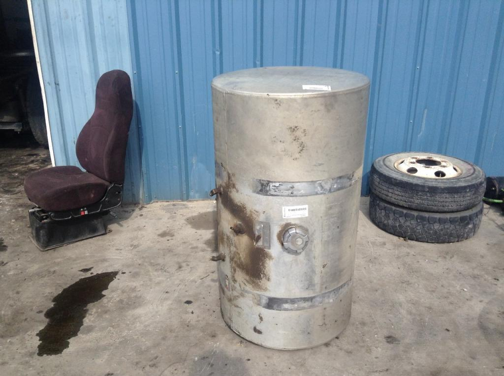 Used Fuel Tank for 2000 INTERNATIONAL 9100 550.00 for sale-57280521
