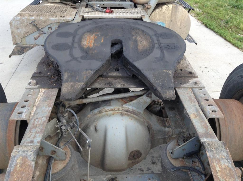 Used Fifth Wheel for 2001 INTERNATIONAL 8100 350.00 for sale-57268011