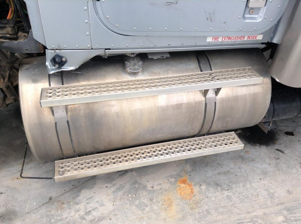 Used Fuel Tank for 2006 INTERNATIONAL 9900 750.00 for sale-57281041