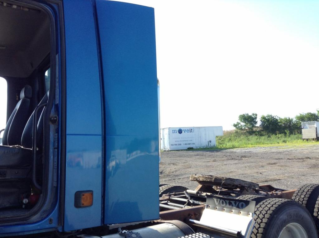Used Fairing for 1999 VOLVO VNM 175.00 for sale-57222491