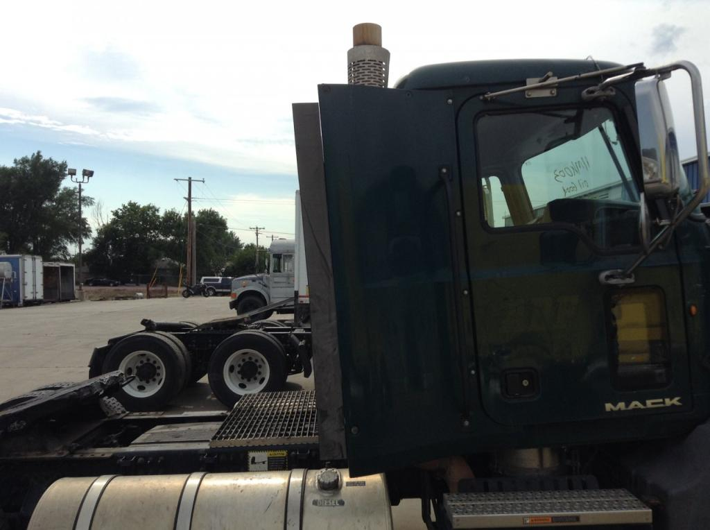 Used Fairing for 2011 MACK CX VISION 150.00 for sale-57222661