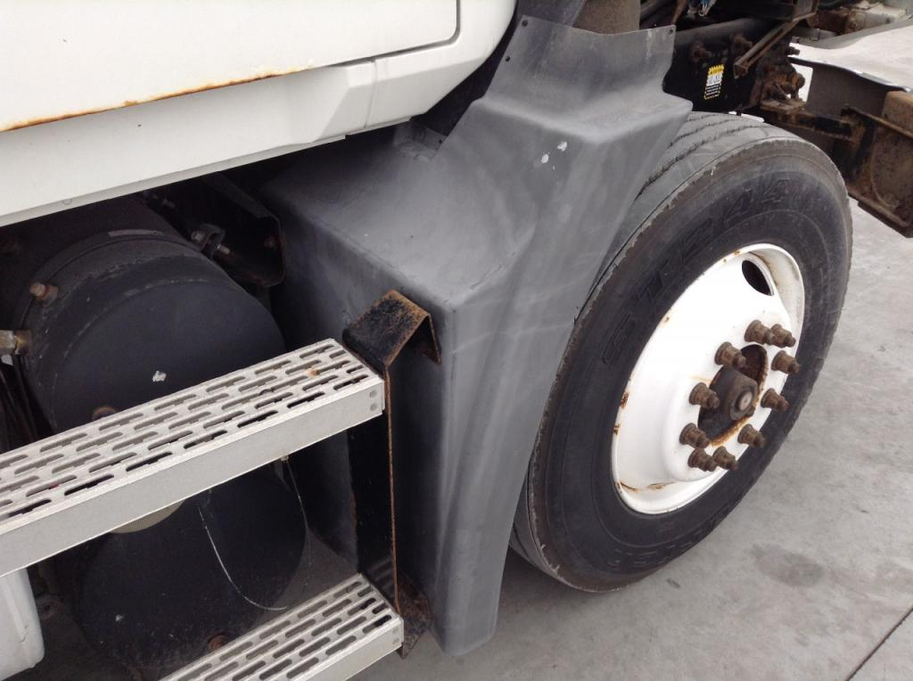 Used Fender for 2003 MACK CH600 175.00 for sale-57249541