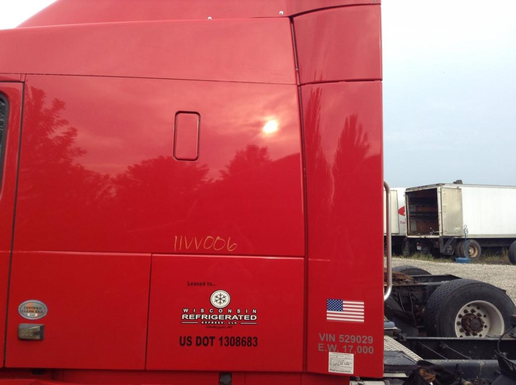Used Fairing for 2011 VOLVO VNL 300.00 for sale-57233071
