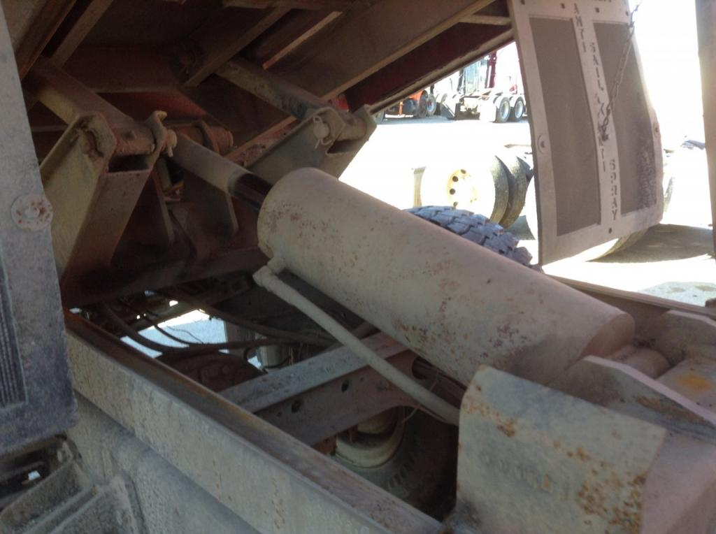 Used Dump bodies for 1992 INTERNATIONAL 4900 800.00 for sale-57189801