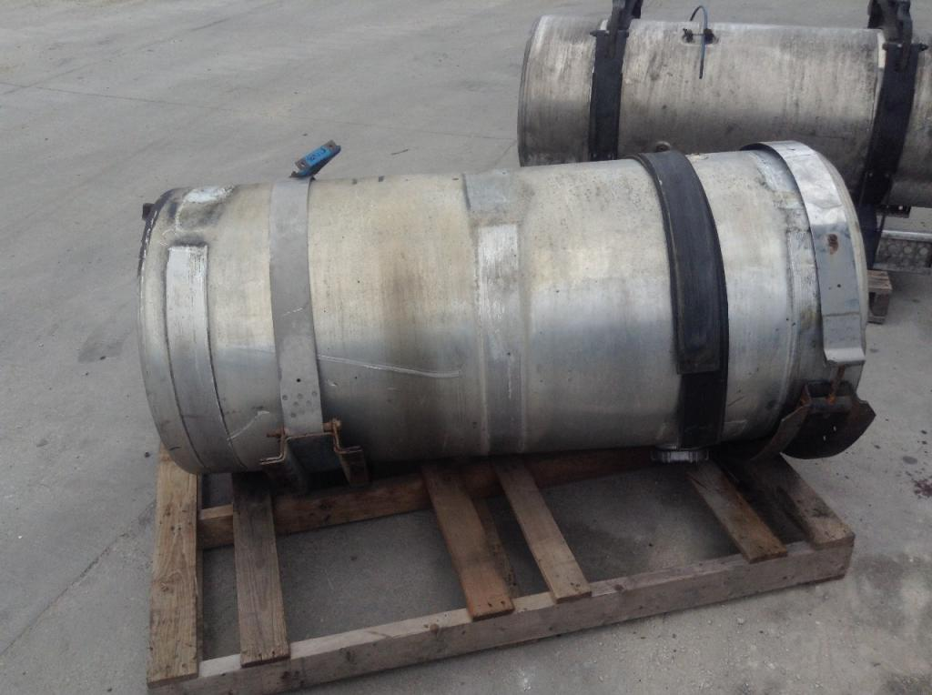 Used Fuel Tank for 1997 VOLVO WCA 750.00 for sale-57280561