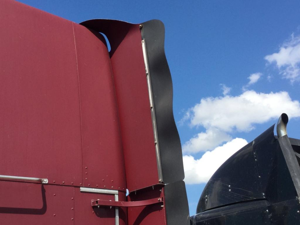 Used Fairing for 1999 FREIGHTLINER CLASSIC XL 400.00 for sale-57233141