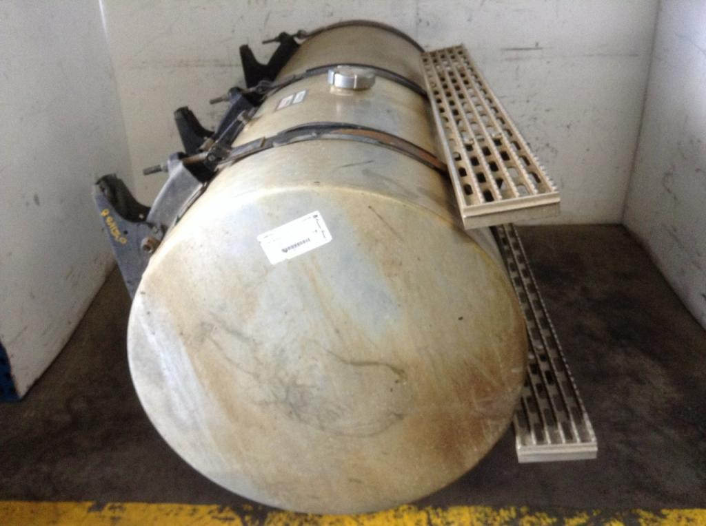 Used Fuel Tank for 2003 INTERNATIONAL 9200 750.00 for sale-57280901