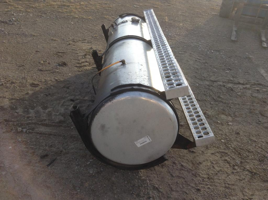 Used Fuel Tank for 2004 Western Star 4900FA 650.00 for sale-57281531