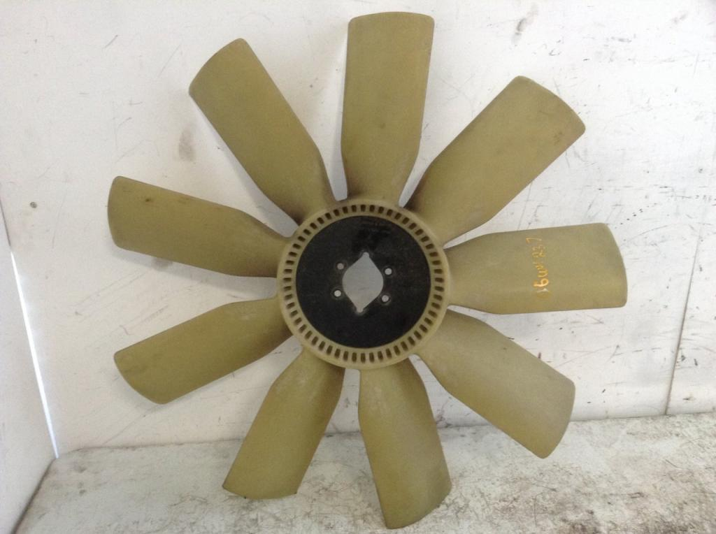 Used Fan Blade for 2006 FREIGHTLINER COLUMBIA 112 75.00 for sale-57240471