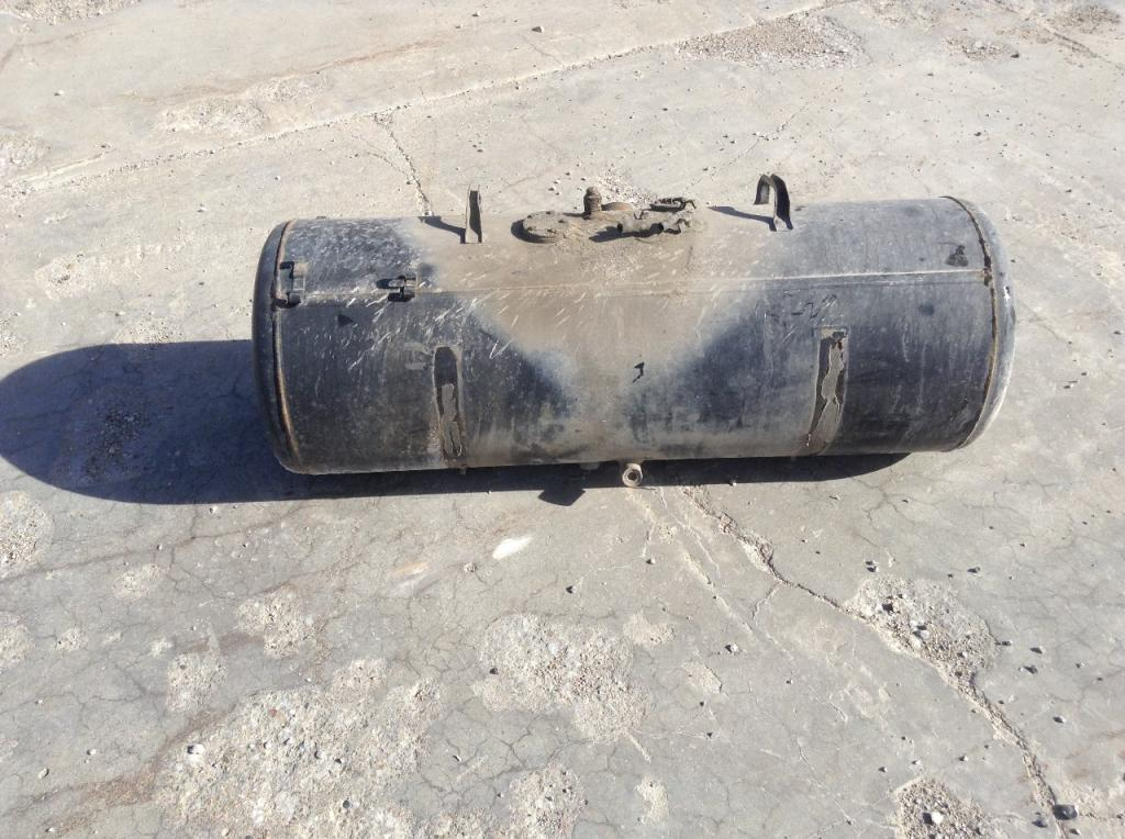 Used Fuel Tank for 2000 GMC W4500 300.00 for sale-57281641
