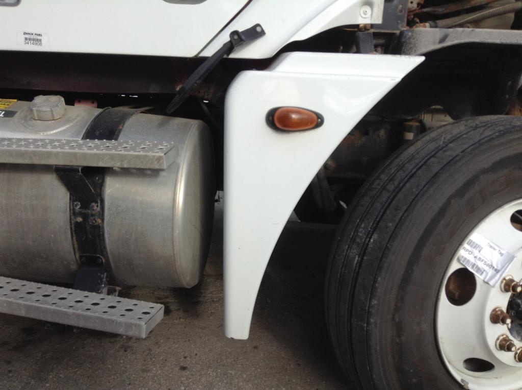 Used Fender for 2005 FREIGHTLINER COLUMBIA 120 200.00 for sale-57250341