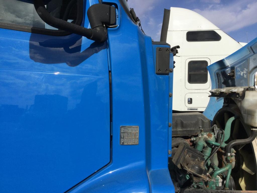 Used Fender for 2012 VOLVO VNM 200.00 for sale-57250461
