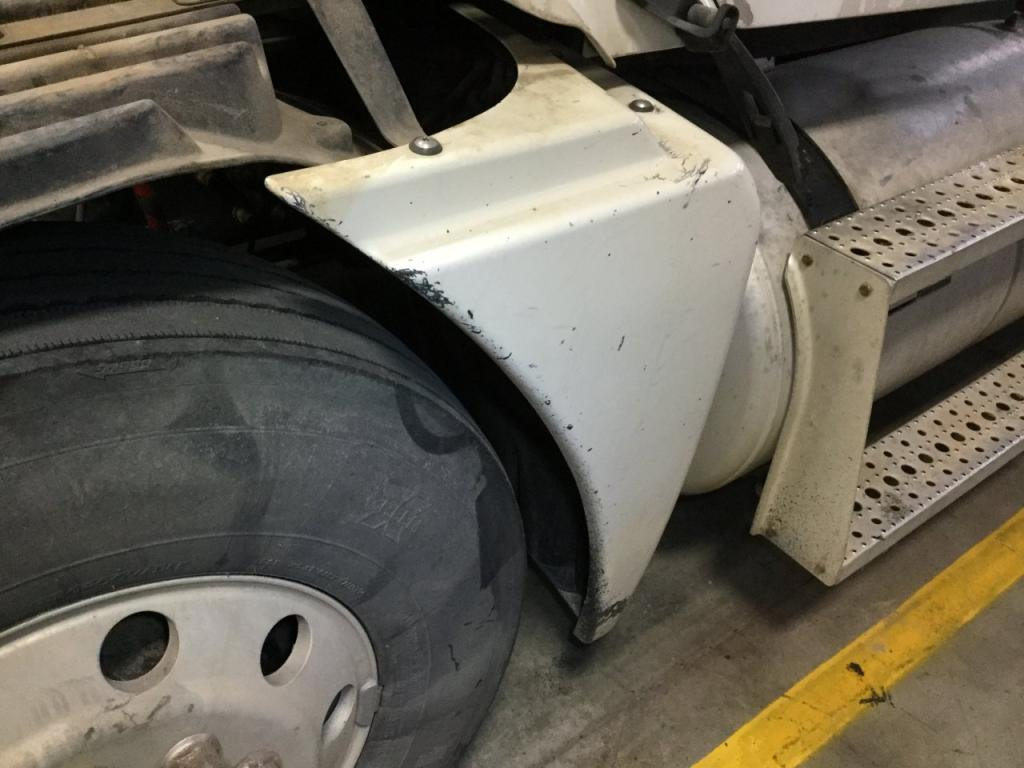 Used Fender for 2007 FREIGHTLINER COLUMBIA 120 225.00 for sale-57250611