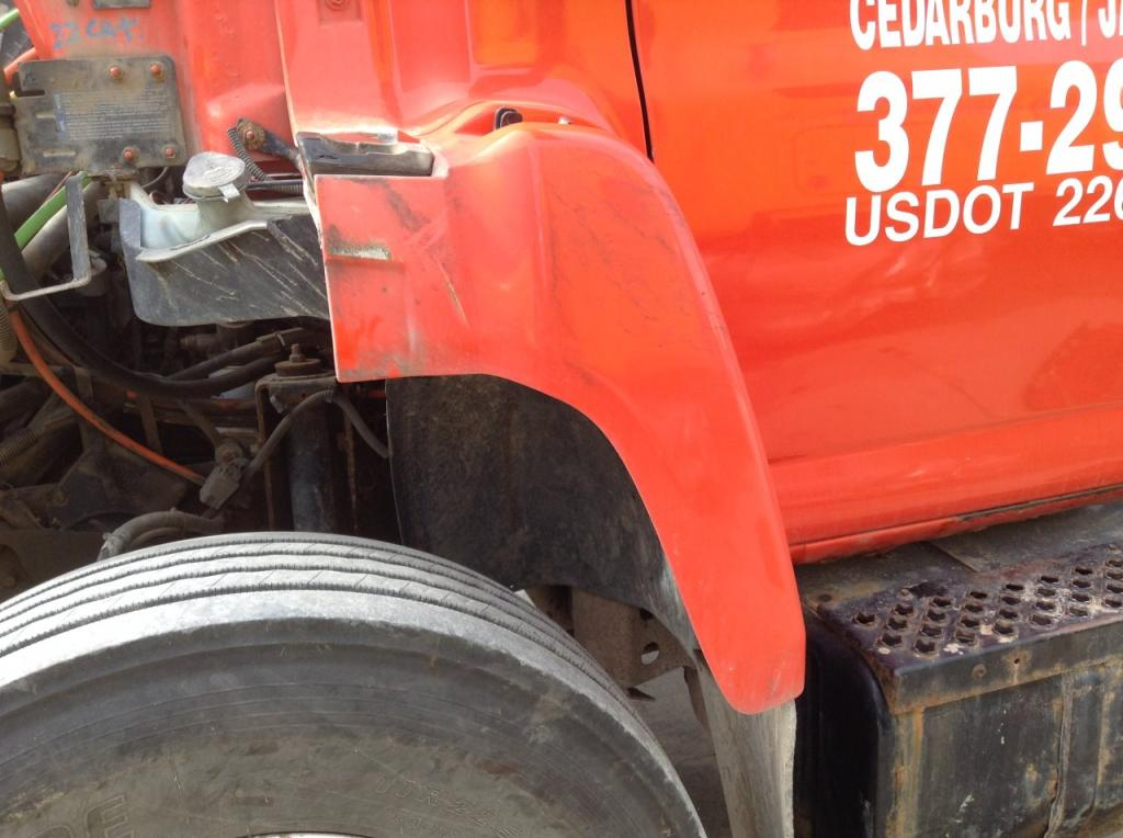 Used Fender for 2004 GMC C8500 100.00 for sale-57250711