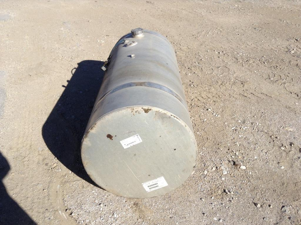 Used Fuel Tank for 1999 STERLING AT9513 450.00 for sale-57281841