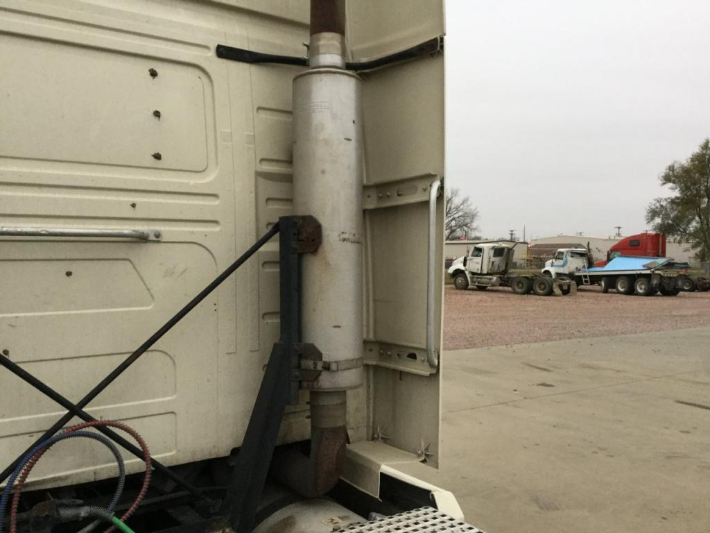 Used Fairing for 2007 VOLVO VNL 175.00 for sale-57223481