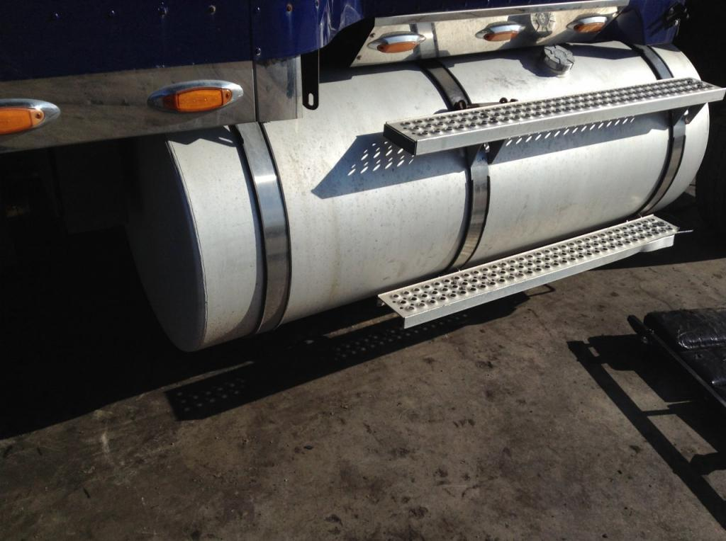 Used Fuel Tank for 2007 INTERNATIONAL 9900 350.00 for sale-57282601