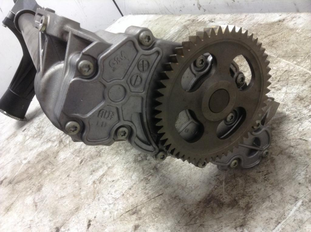 Used Engine Oil Pump for 2012 FREIGHTLINER CASCADIA 300.00 for sale-57209811