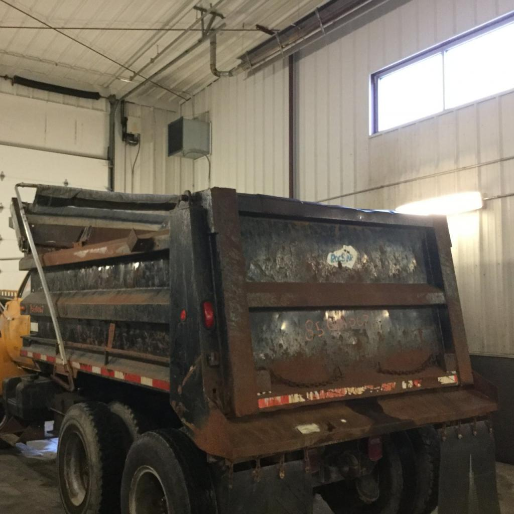 Used Dump bodies for 1985 GMC 7000 3500.00 for sale-57189811
