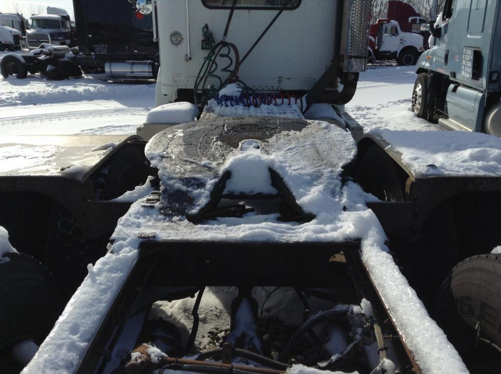 Used Fifth Wheel for 1996 FREIGHTLINER FLD112SD 400.00 for sale-57268981