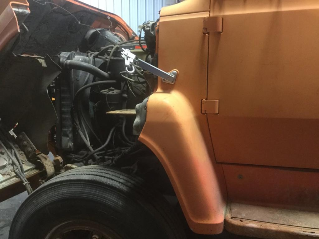 Used Fender for 1989 Ford LN8000 125.00 for sale-57251891