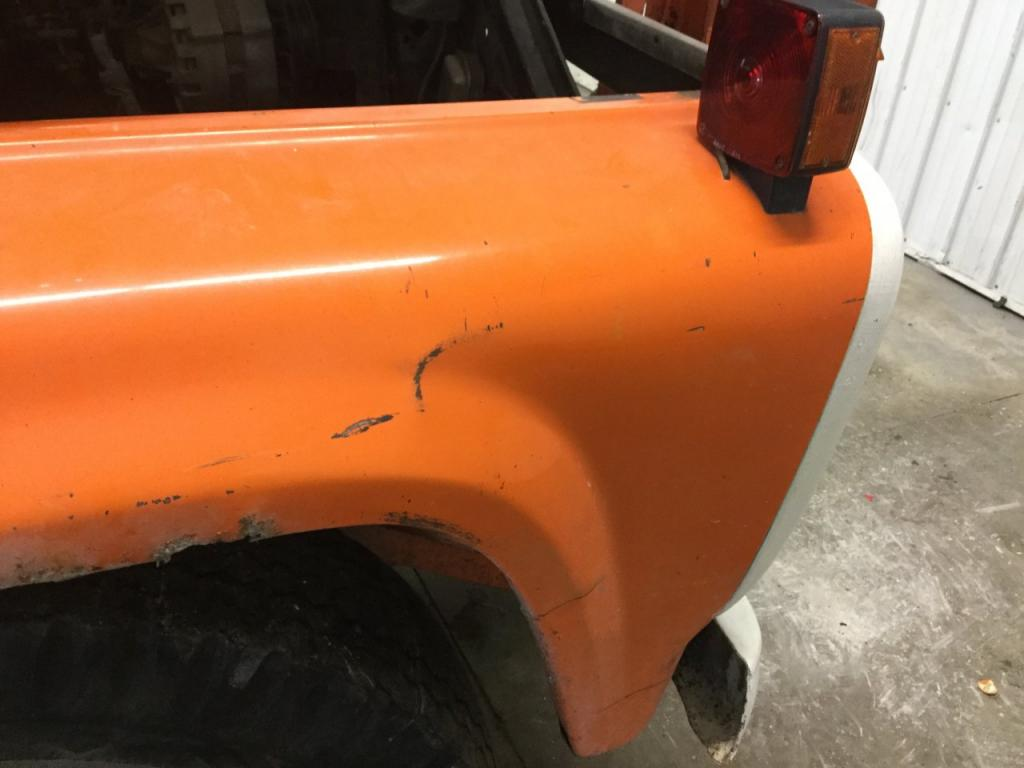 Used Fender for 1979 Ford F7000 150.00 for sale-57252001