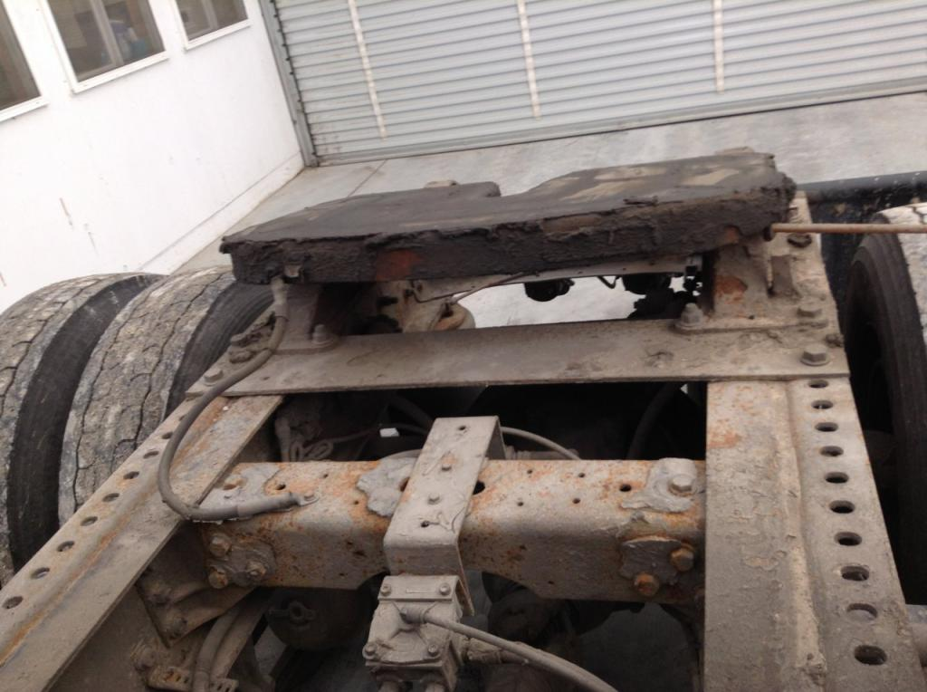 Used Fifth Wheel for 2004 INTERNATIONAL 8600 350.00 for sale-57269081