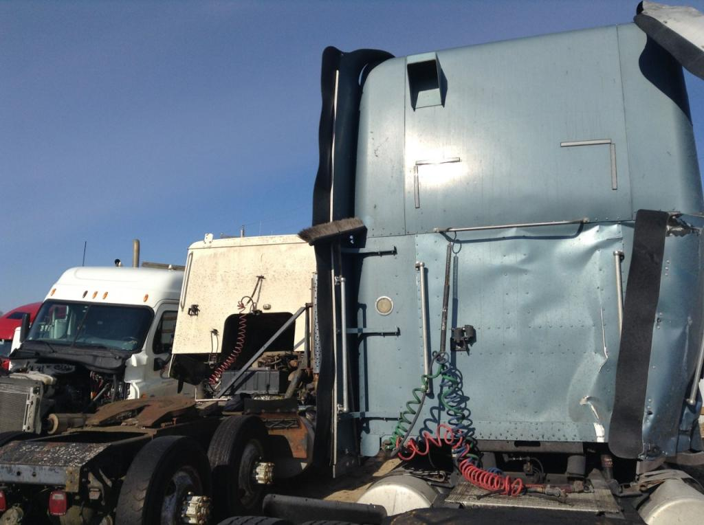 Used Fairing for 2005 FREIGHTLINER CLASSIC XL 250.00 for sale-57234171