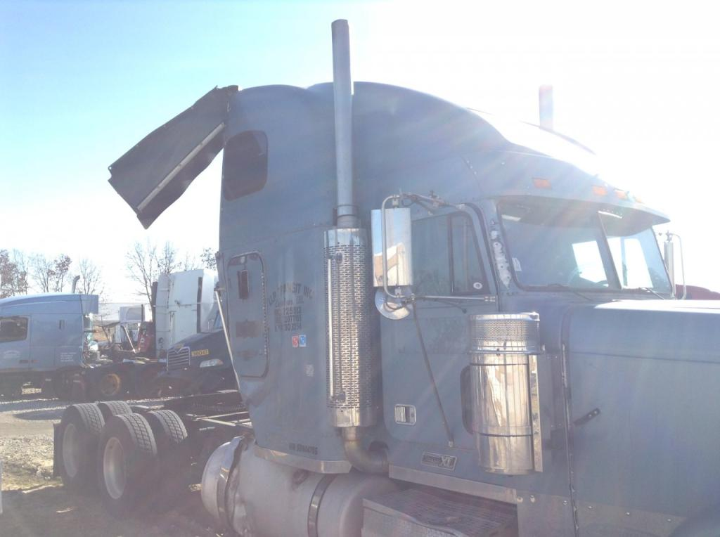 Used Exhaust Assembly for 2005 FREIGHTLINER CLASSIC XL 600.00 for sale-57217141
