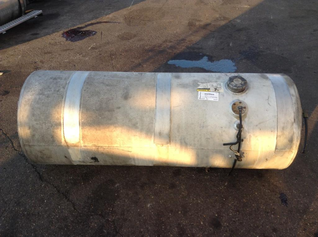 Used Fuel Tank for 2000 VOLVO TRUCK 400.00 for sale-57282731