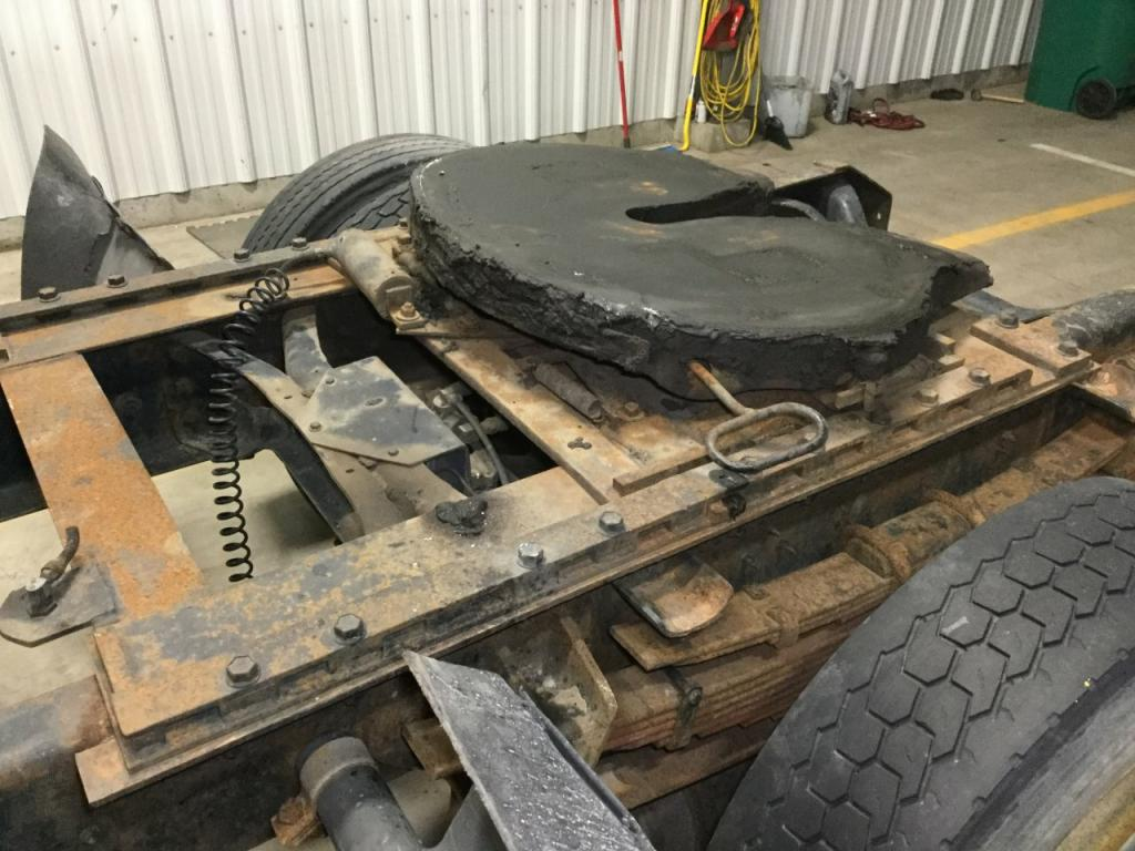 Used Fifth Wheel for 1996 INTERNATIONAL 8100 450.00 for sale-57269521
