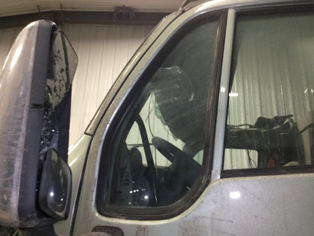 Used Door Vent Glass for 2014 PETERBILT 587 100.00 for sale-57188101