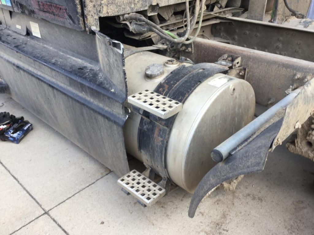 Used Fuel Tank for 2003 VOLVO VNL 350.00 for sale-57284281