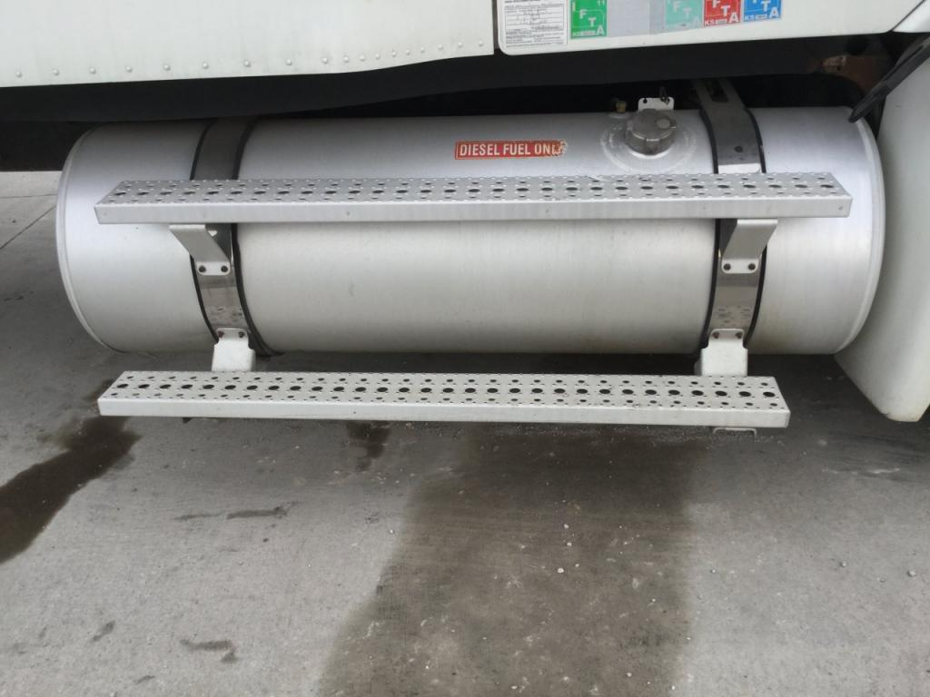 Used Fuel Tank for 2005 FREIGHTLINER COLUMBIA 120 450.00 for sale-57284531