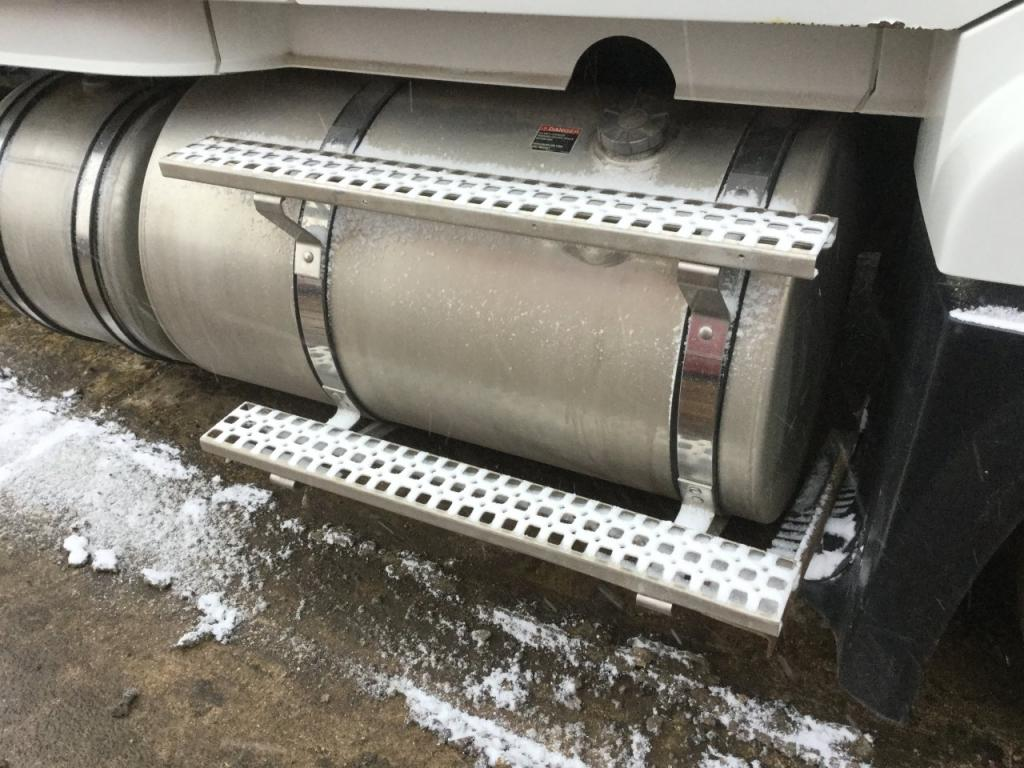 Used Fuel Tank for 2004 VOLVO VNL 750.00 for sale-57284561