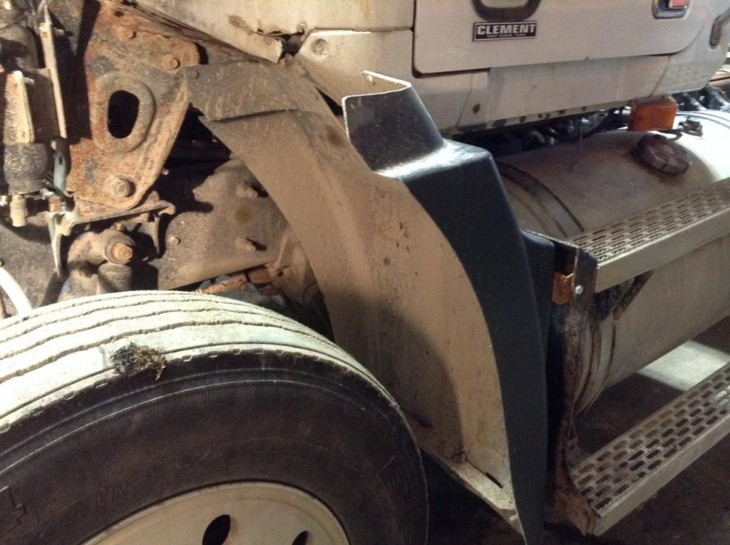 Used Fender for 1993 MACK CH600 175.00 for sale-57253531
