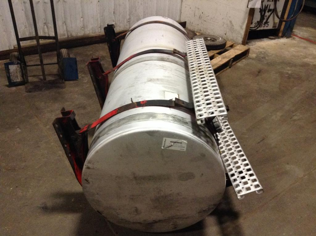 Used Fuel Tank for 2006 VOLVO VNL 600.00 for sale-57283191