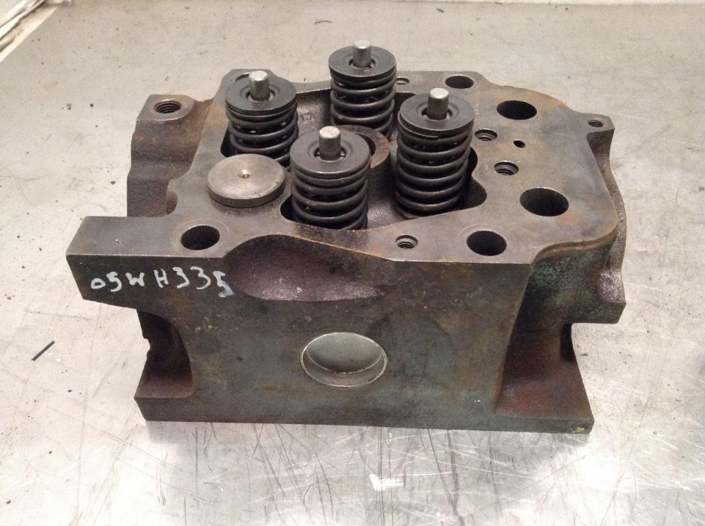 Used Engine Head Assembly for 2005 FREIGHTLINER COLUMBIA 120 200.00 for sale-57206001