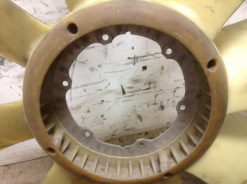 Used Fan Blade for 2006 VOLVO VNL 100.00 for sale-57239811