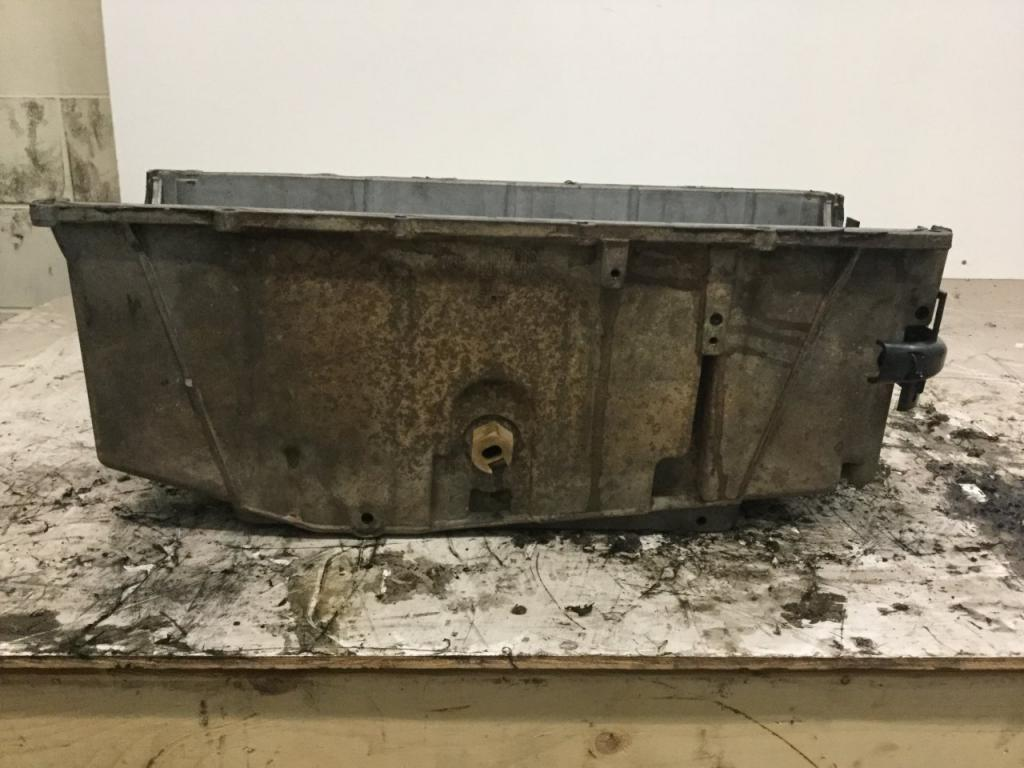 Used Engine Oil Pan for 2004 GMC C5500 150.00 for sale-57208861