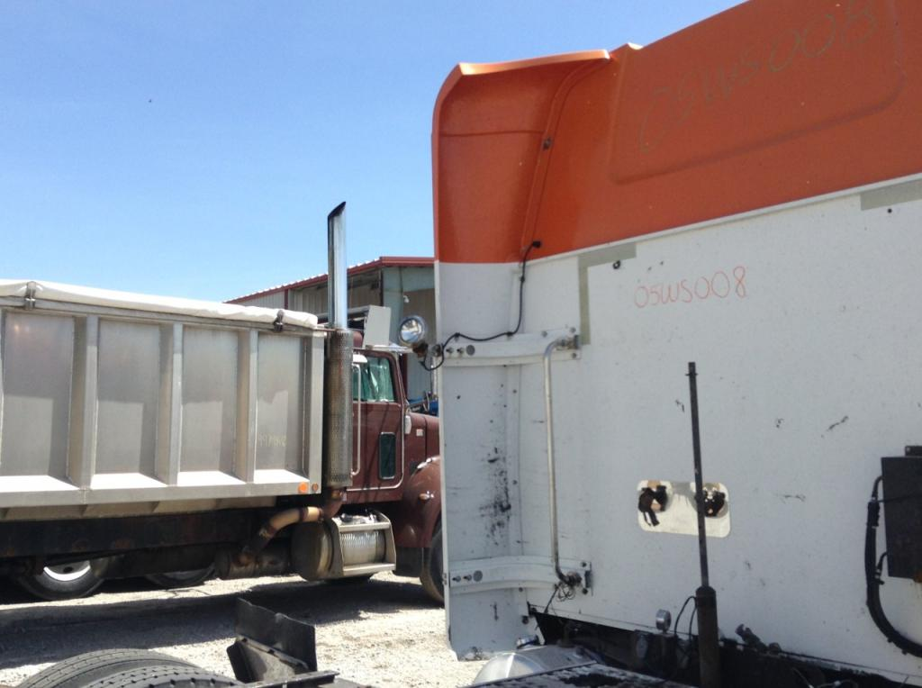 Used Fairing for 2005 Western Star 4900FA 250.00 for sale-57234101