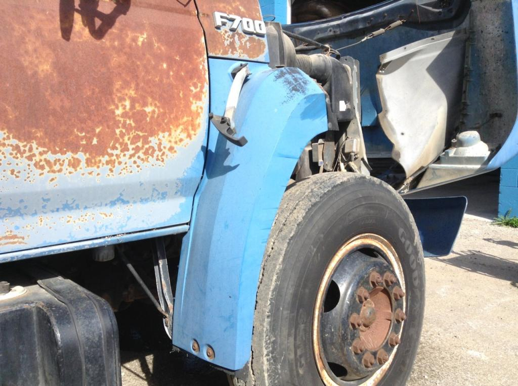 Used Fender for 1989 Ford F700 100.00 for sale-57254921