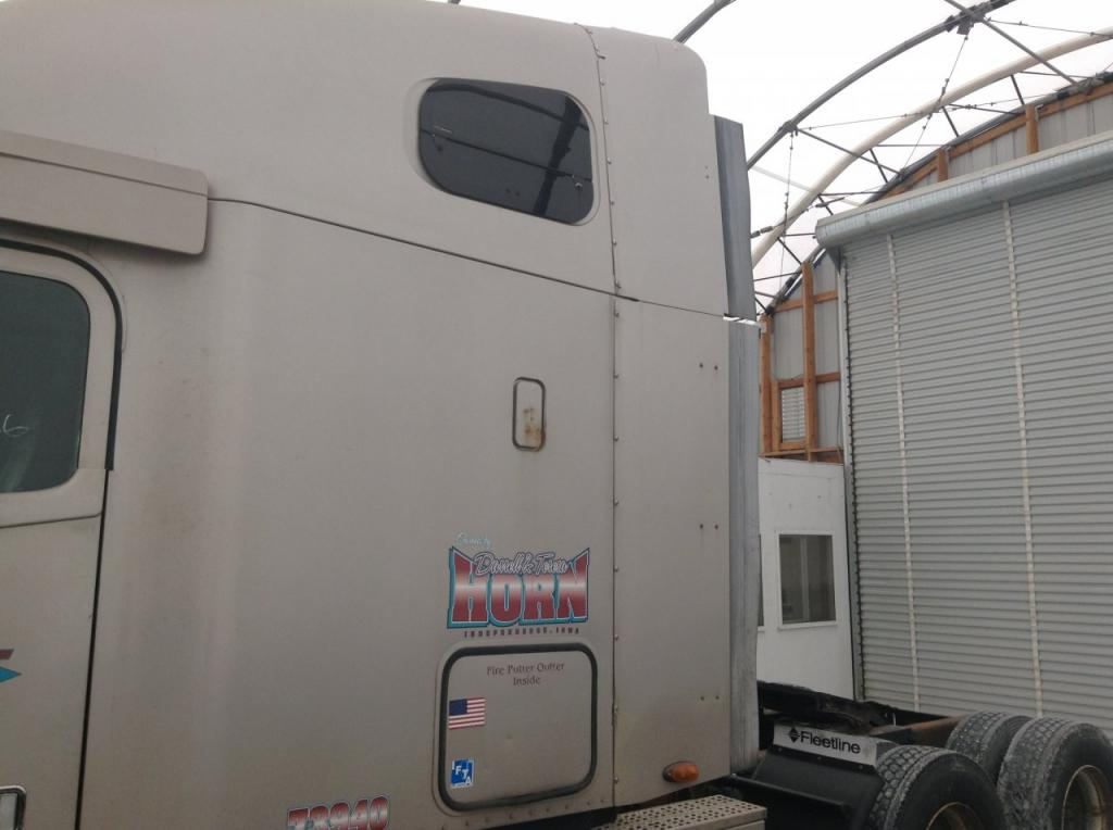 Used Fairing for 2004 FREIGHTLINER COLUMBIA 120 200.00 for sale-57234111