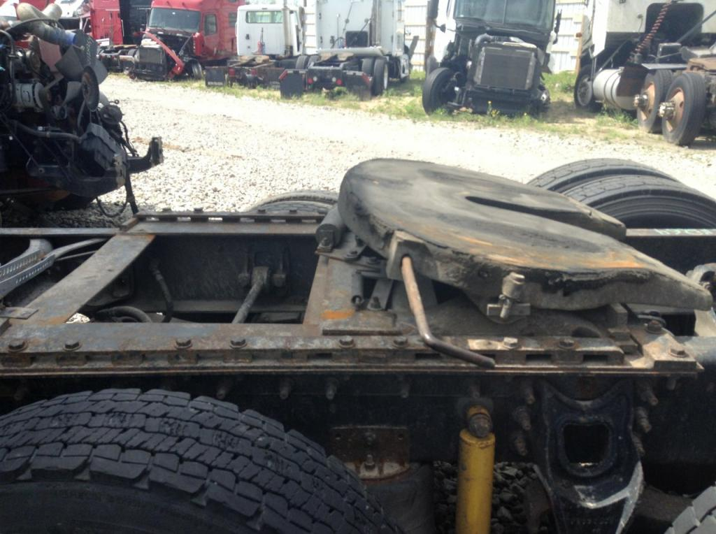 Used Fifth Wheel for 2000 INTERNATIONAL 9400 450.00 for sale-57270121
