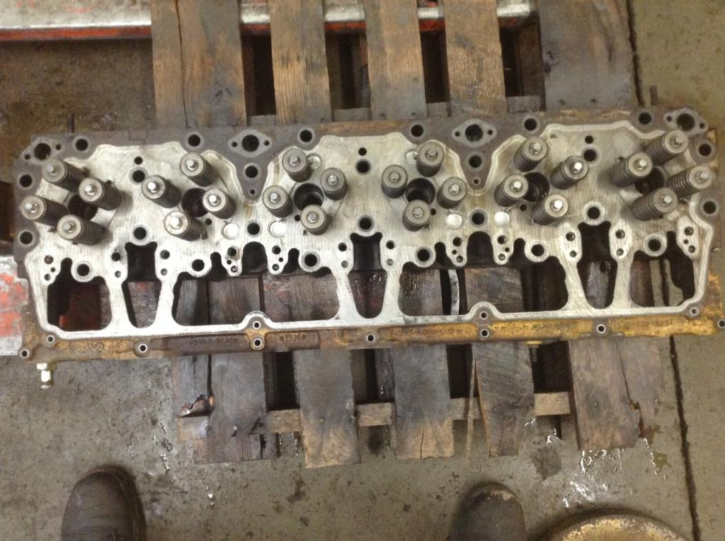 Used Engine Head Assembly for 1998 INTERNATIONAL 9200 1300.00 for sale-57206011